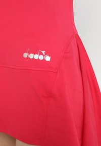 Diadora - DRESS CLAY - Sportskjole - red virtual pink - 6