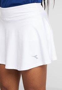 Diadora - COURT - Sportovní sukně - optical white - 4