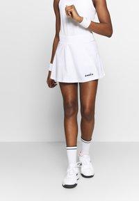 Diadora - SKIRT EASY TENNIS - Rokken - optical white - 0