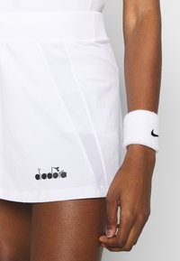 Diadora - SKIRT EASY TENNIS - Rokken - optical white - 3