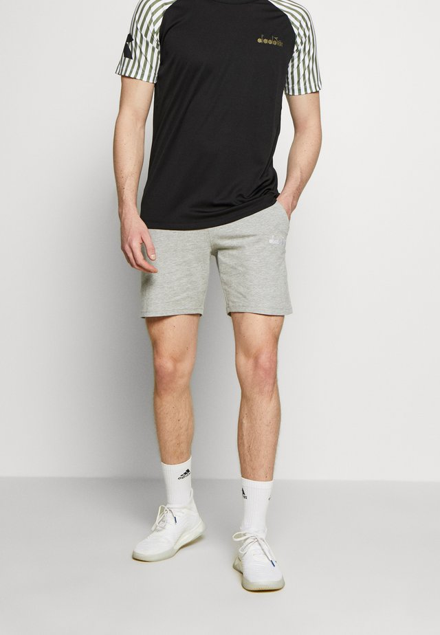 SHORT CORE - kurze Sporthose - light middle grey melange
