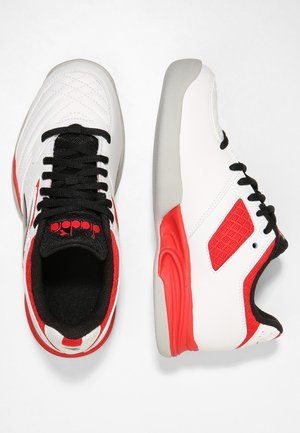 CHALLENGE 2 YOUTH CARPET - Chaussures de tennis pour gazon - white/red/black