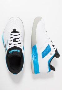 Diadora - CHALLENGE 2 YOUTH CARPET - Tennisschoenen voor tapijtbanen - white - 0
