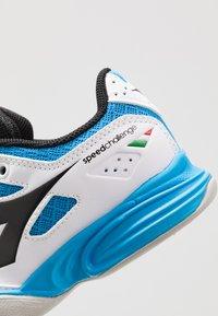 Diadora - CHALLENGE 2 YOUTH CARPET - Tennisschoenen voor tapijtbanen - white - 2