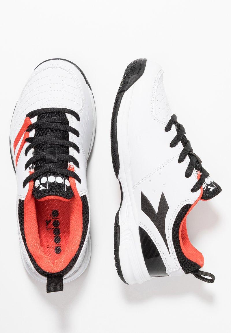 Diadora - S. FLY 2 - Multicourt tennis shoes - white/black/grenadine