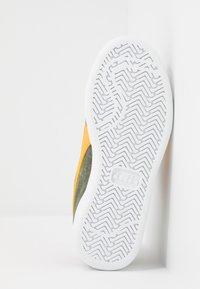 Diadora - PLAYGROUND - Chaussures d'entraînement et de fitness - green olivine - 5