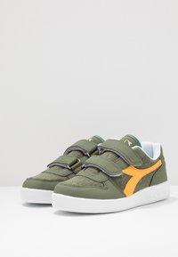 Diadora - PLAYGROUND - Chaussures d'entraînement et de fitness - green olivine - 3