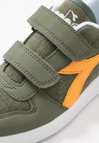 Diadora - PLAYGROUND - Chaussures d'entraînement et de fitness - green olivine - 2