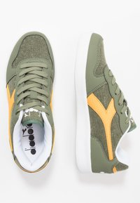 Diadora - PLAYGROUND - Obuwie treningowe - green olivine - 1