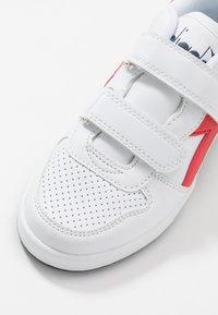 Diadora - PLAYGROUND - Sportschoenen - white/red - 2