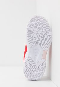 Diadora - S. CHALLENGE 3  - Multicourt tennis shoes - white/lively hibiscus red - 4