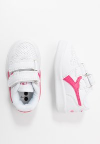 Diadora - PLAYGROUND GIRL - Obuwie treningowe - white/hot pink - 0