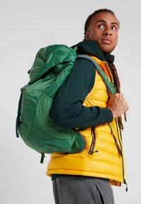 Deuter - AC LITE 18 - Plecak podróżny - leaf - 1