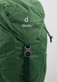 Deuter - AC LITE 18 - Plecak podróżny - leaf - 9
