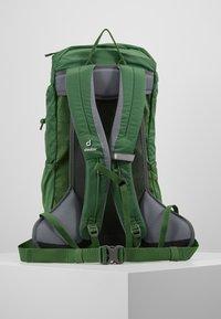 Deuter - AC LITE 18 - Plecak podróżny - leaf - 2