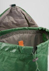 Deuter - AC LITE 18 - Plecak podróżny - leaf - 4