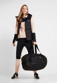 Deuter - AVIANT DUFFEL 50 - Sportovní taška - black - 1