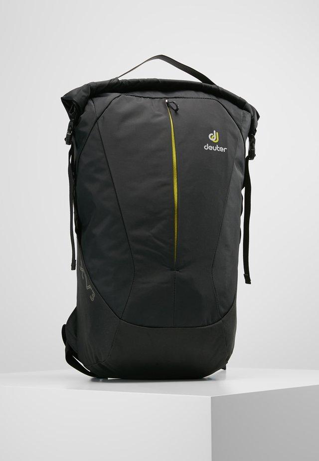 XV 3 - Rucksack - black
