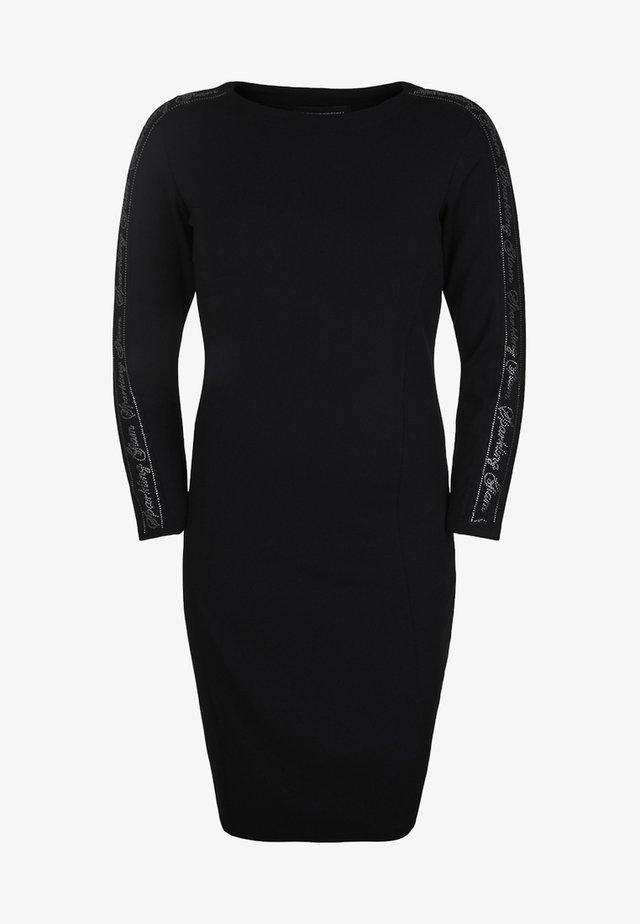 MIT APPLIKATIONEN - Robe d'été - black