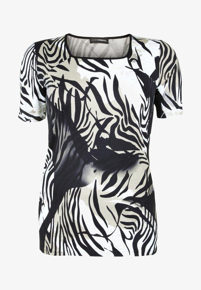 MIT KARREEAUSSCHNITT - Print T-shirt - beige