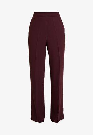 DAY CLASSIC GABARDINE - Trousers - winetasting