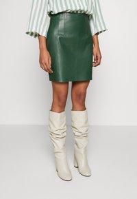 DAY Birger et Mikkelsen - DAY FRESH - Mini skirt - greener pastures - 0