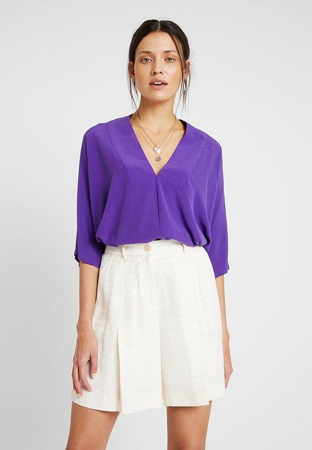 FAN - Bluser - purple