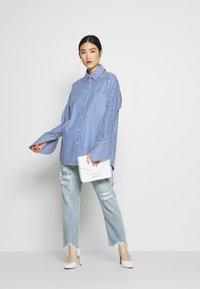 DAY Birger et Mikkelsen - SPRINGTIME - Button-down blouse - navy blazer - 1
