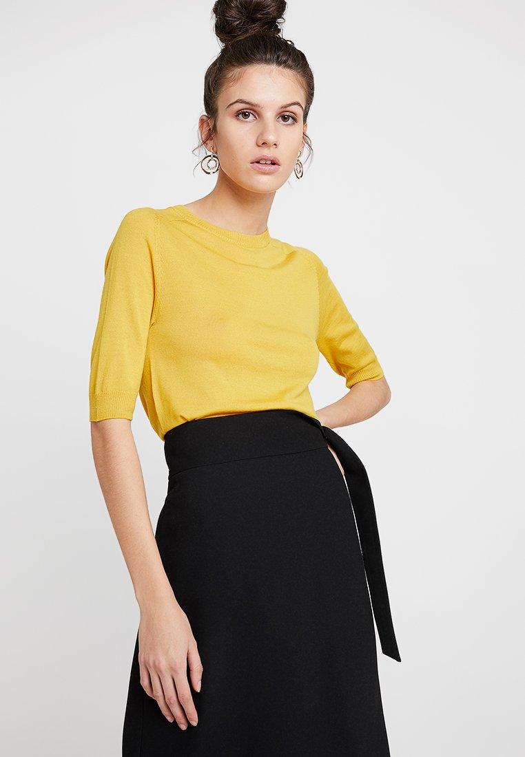 DAY Birger et Mikkelsen - DAY WHITNEY - Basic T-shirt - lemon curry