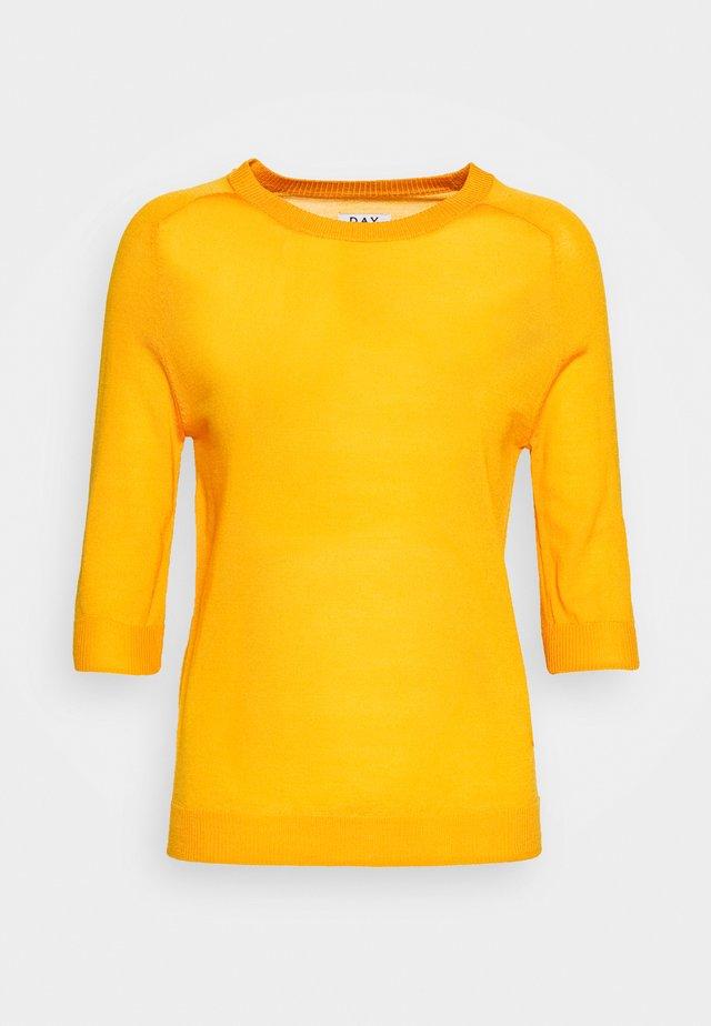 WHITNEY - T-shirts basic - season