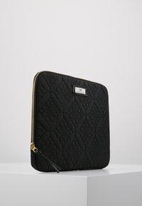 DAY Birger et Mikkelsen - GWENETH FLOTILE FOLDER - Notebooktasche - black - 4