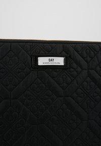 DAY Birger et Mikkelsen - GWENETH FLOTILE FOLDER - Notebooktasche - black - 2