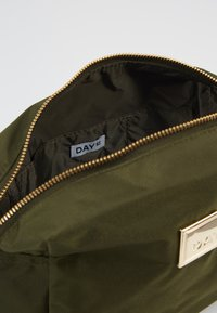 DAY Birger et Mikkelsen - DAY LUXE BEAUTY - Wash bag - ivy green - 5