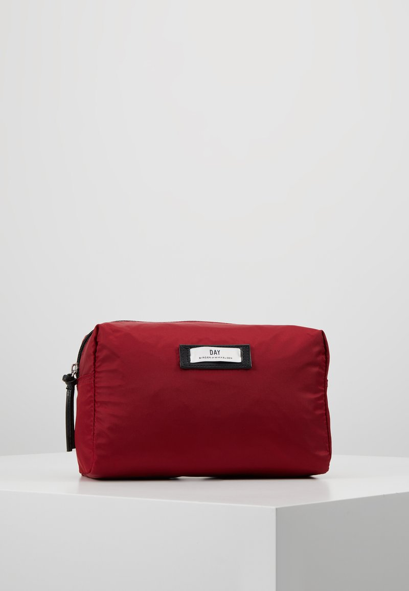 DAY Birger et Mikkelsen - GWENETH BEAUTY - Toiletti-/meikkilaukku - biking red