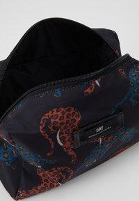 DAY Birger et Mikkelsen - CHEETAH BEAUTY - Kosmetická taška - multi colour - 5