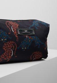 DAY Birger et Mikkelsen - CHEETAH BEAUTY - Kosmetická taška - multi colour - 2