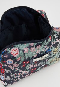 DAY Birger et Mikkelsen - DAY GWENETH BLOOMY BEAUTY - Kosmetiktasche - multi colour - 5