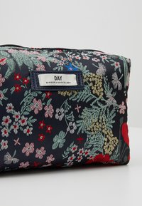 DAY Birger et Mikkelsen - DAY GWENETH BLOOMY BEAUTY - Kosmetiktasche - multi colour - 2