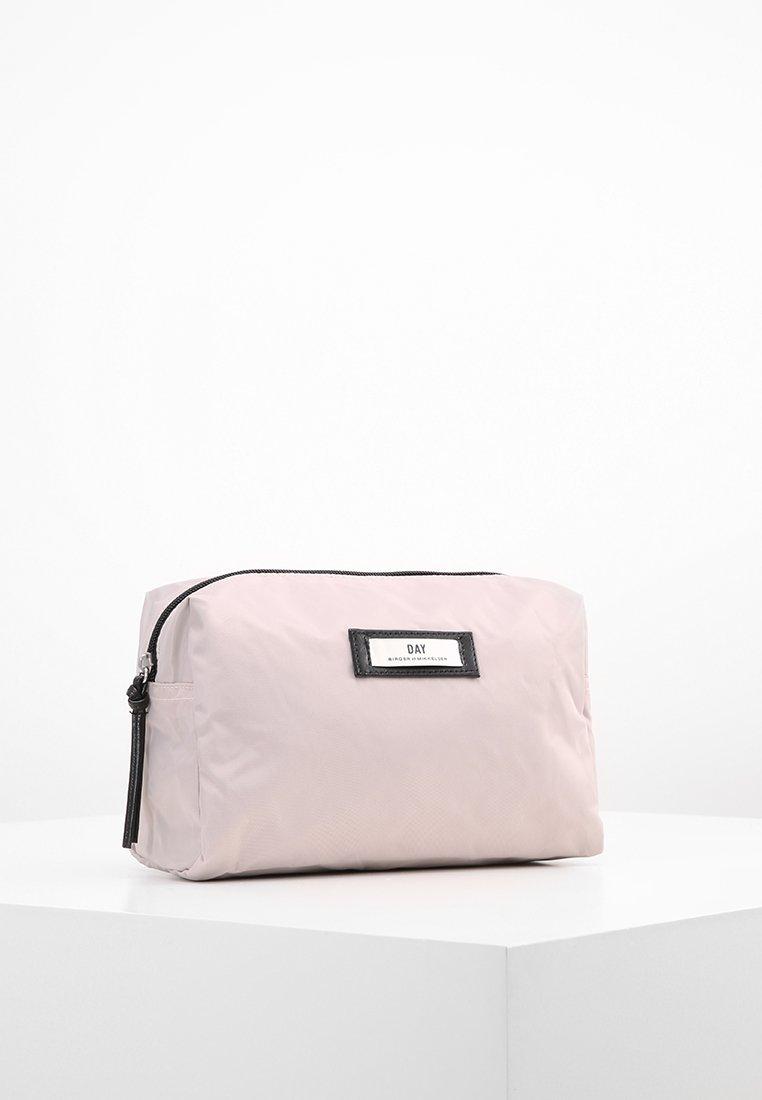 DAY Birger et Mikkelsen - DAY GWENETH - Kosmetická taška - cloud grey