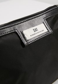 DAY Birger et Mikkelsen - GWENETH MINI - Wash bag - black - 5