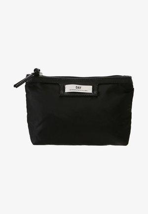 GWENETH MINI - Kosmetická taška - black