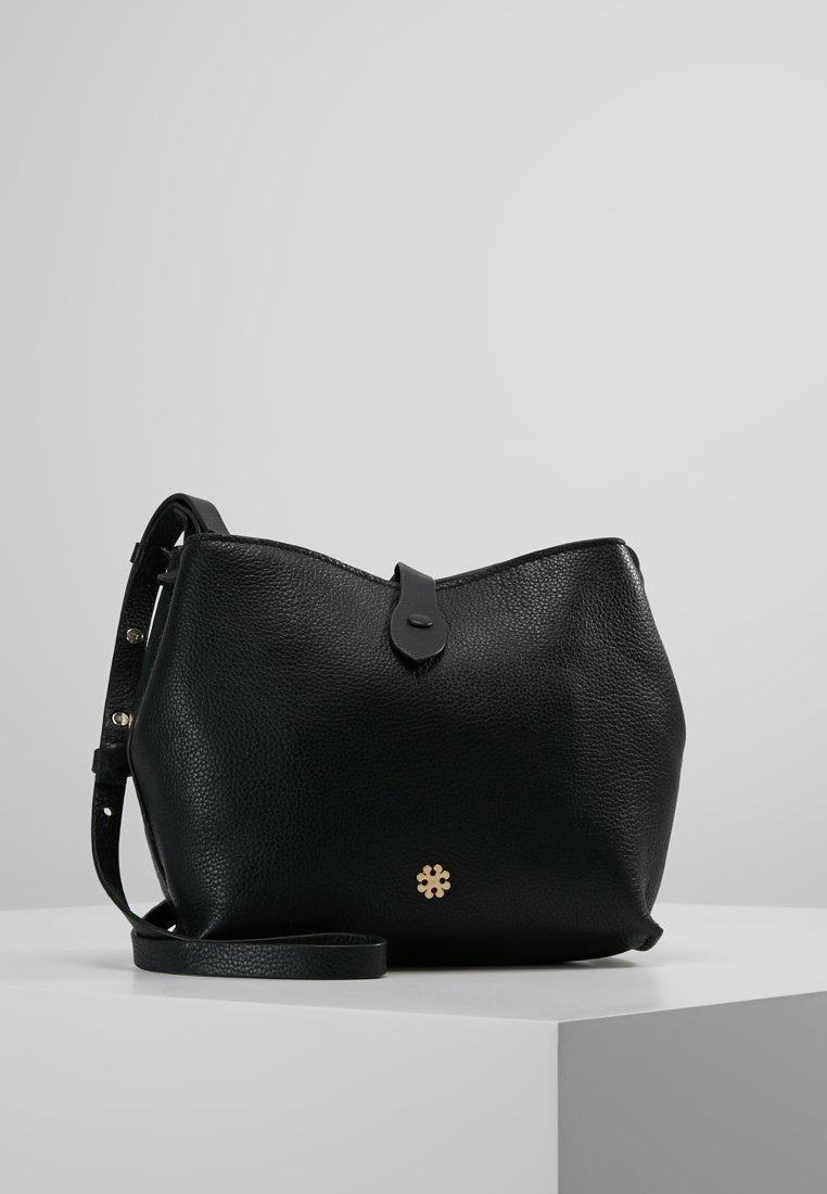 DAY Birger et Mikkelsen - BRING - Across body bag - black