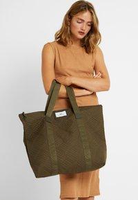 DAY Birger et Mikkelsen - GWENETH TOPAZ - Shoppingveske - ivy green - 1