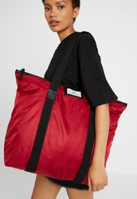 DAY Birger et Mikkelsen - GWENETH BAG - Tote bag - biking red - 1