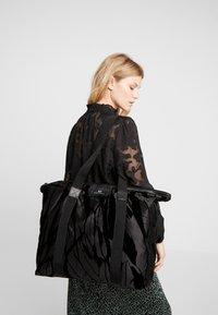 DAY Birger et Mikkelsen - GWENETH FEATHER BAG - Tote bag - black - 1
