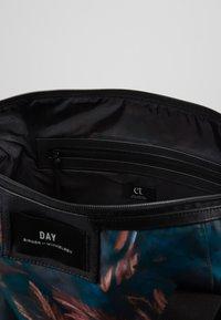 DAY Birger et Mikkelsen - GWENETH FEATHER CROSS - Shopping Bag - multi colour - 4