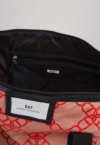 DAY Birger et Mikkelsen - GWENETH CHAIN BAG - Shopper - red - 4