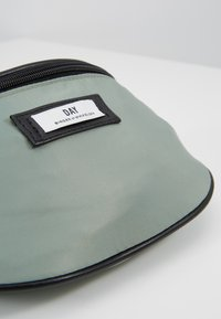 DAY Birger et Mikkelsen - GWENETH BUM - Bum bag - green bay - 6