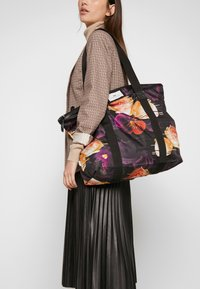 DAY Birger et Mikkelsen - GWENETH P DISTORT BAG - Tote bag - multi colour - 1