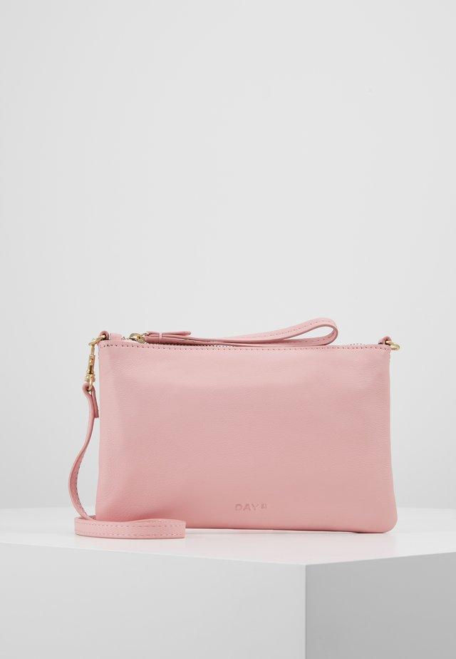 BERN - Pikkulaukku - fairy tale pink